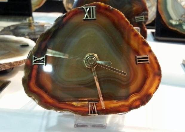 clock craft made from agate slab