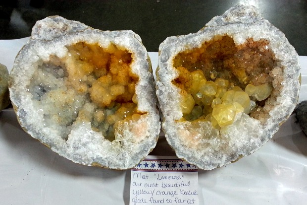 yellow keokuk geode