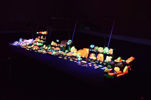 fluorescent minerals 10
