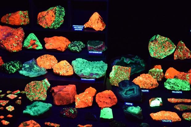 fluorescent minerals 3