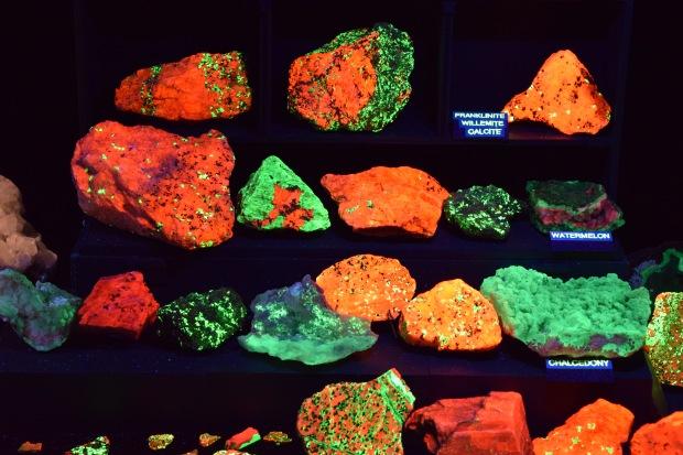 fluorescent minerals 6