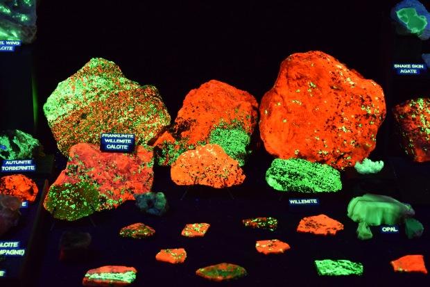 fluorescent minerals 7