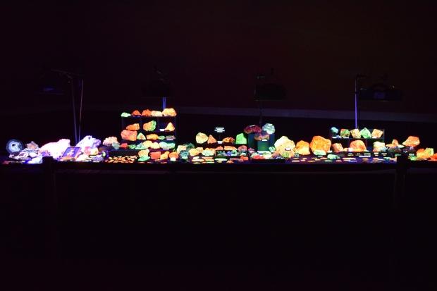 fluorescent minerals 8