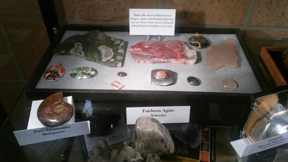 Rock and mineral specimens, slabs, cut and polished cabochons